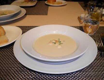 パステル Pastel カンヌコースの本日のスープ